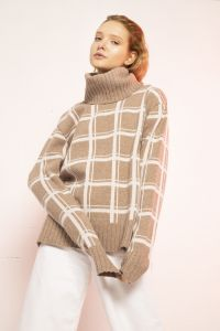 Sato turtleneck merino sweater beige / white