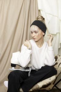Iida merino headband dark grey