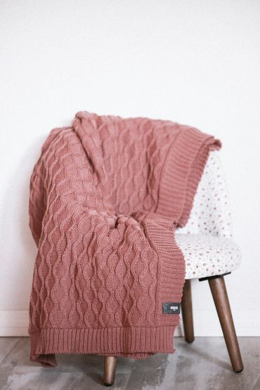 Curly cable merino throw canyon pink