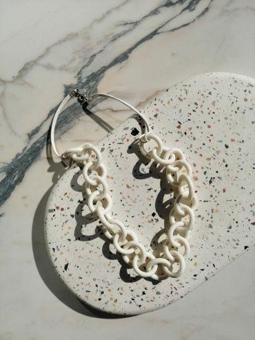 Tapfer white necklace