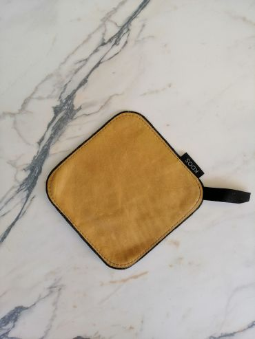 Koos leather camel yellow pot holder