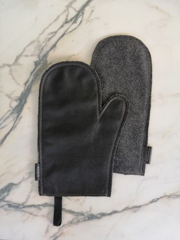Koos leather black oven mitten