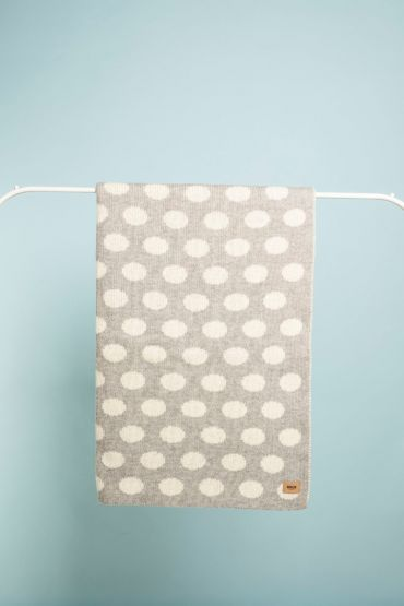 Dotty blanky grey