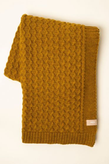 Curly cable throw dijon