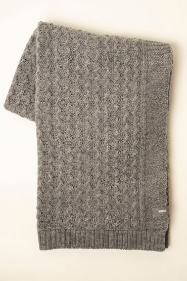 Curly cable throw light grey