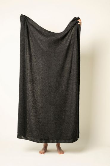 Pearly throw charcoal grey