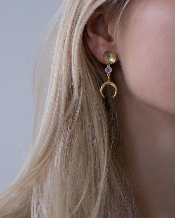 Helge Kiana kuld kõrvarõngad