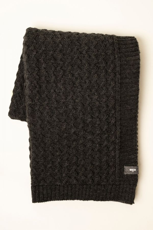 Curly cable throw charcoal