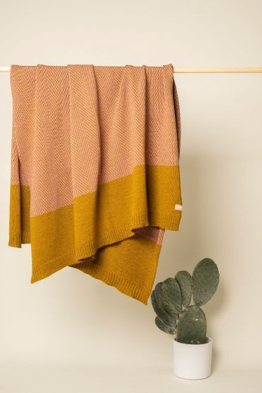 Fishbone throw dijon / pink