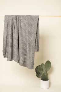 Curly cable pleed helehall